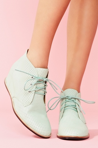 Matiko Sharon Boot in Mint. Available in white, pink, and taupe on other websites. NEED.