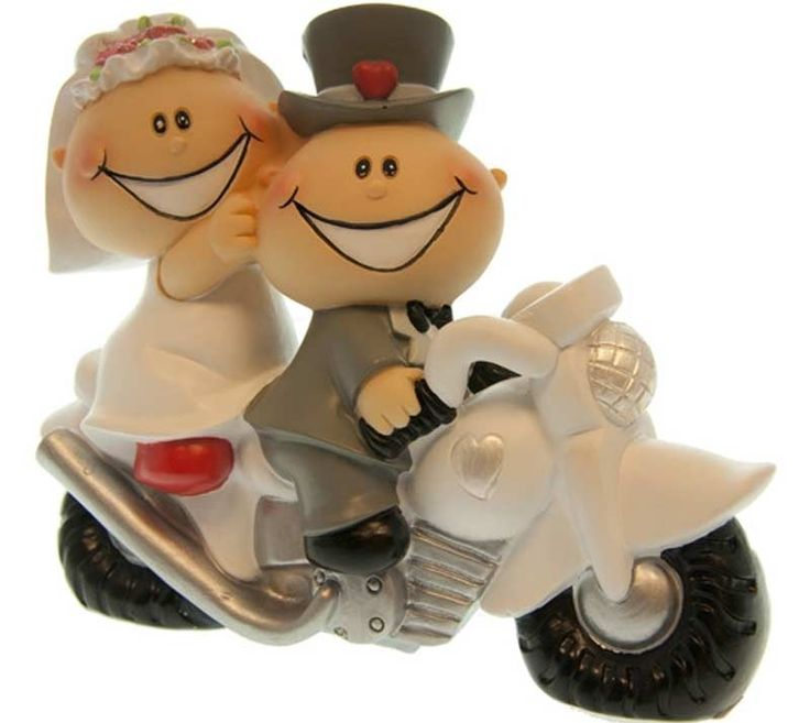 """Dette er en av over 50 morsomme, tradisjonelle og unike kaketopper som du finner hos Til Bryllupet. Denne heter """"Kaketopp - Herlig par på motorsykkel"""", og koster kr 249,- og vekker garantert smilet hos både dere og alle gjestene!"""