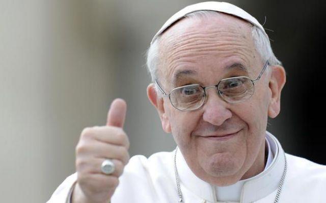 """Anche Papa Bergoglio si schiera contro la FIFA """"Il calcio è uno strumento per veicolare valori"""". Con queste parole il Pontefice e ha accompagnato il provvedimento contro le presunte accuse di riciclaggio di un' Opera Pia sudamericana, e ha accolt"""