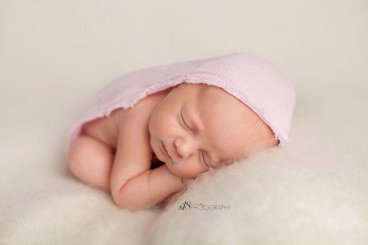 S18 photography newborn girl photography session new jersey newborn photographer