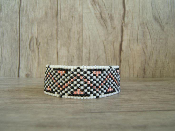 SOLDE / SALES  Bracelet Tissé en Perles de Rocailles Zig Zag Corail / Saumon, Blanc mat et Noir de la boutique EmmashopCreations sur Etsy