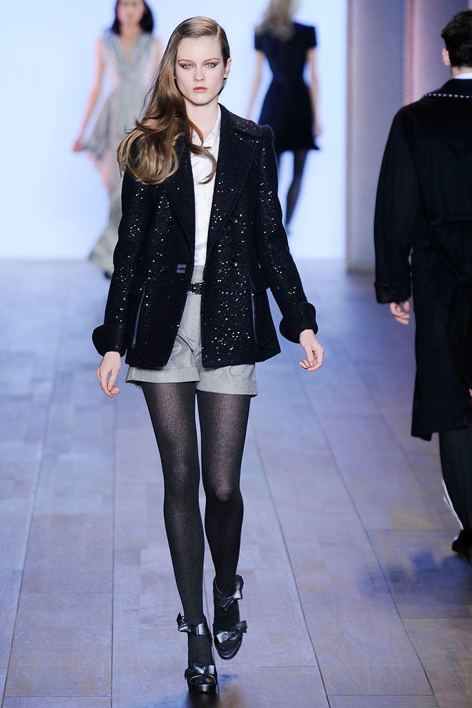 mobile online shopping Tommy Hilfiger Fall 2010 Ready to Wear Collection Photos   Vogue
