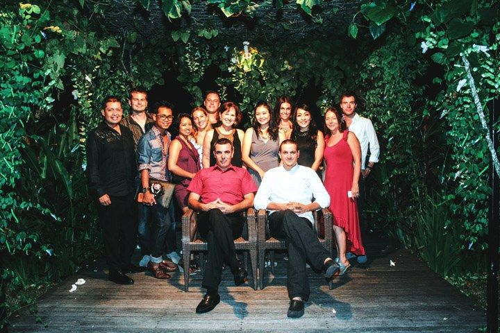 The creative team behind El Kabron invited friends and media to the launch of 'INTIMO,' designed to take in villa dining to a whole new level. El Kabron Spanish Restaurant and Cliff Club | Jl. Pantai Cemongkak, Pecatu | +62 361 7803 416 - See more at: http://www.letseatmag.com/article/intimo-by-el-kabron-at-the-longhouse#sthash.xWYj0oud.dpuf