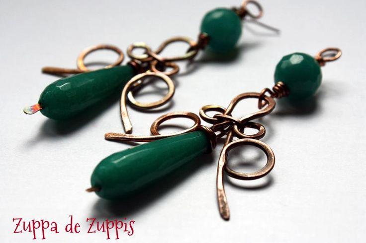 SMERALDO. Orecchini Chandelier in rame forgiato a mano e radice di smeraldo.