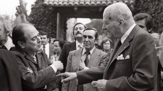 Jordi Pujol with Josep Tarradellas who was the President of the Generalitat in exile and then President of the provisional Generalitat in 1977.