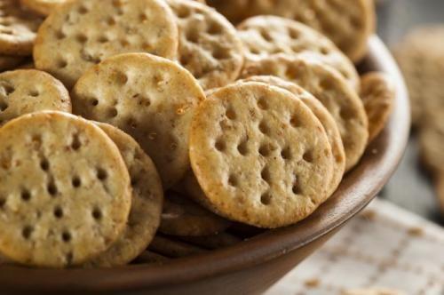 Cibo: La #video #ricetta dei crackers di farro sani e croccanti (link: http://ift.tt/2i2qUb5 )
