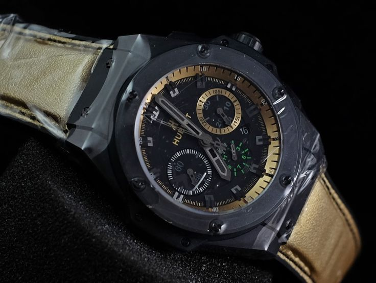 FOR SALE FORSALE :  hublot king power usain bolt ceramica (brand new - limited of 250pcs )  please contact us for any inquiry : whatsapp : +6285723925777 blackberry pin : 2bf5e6b9  THANKS