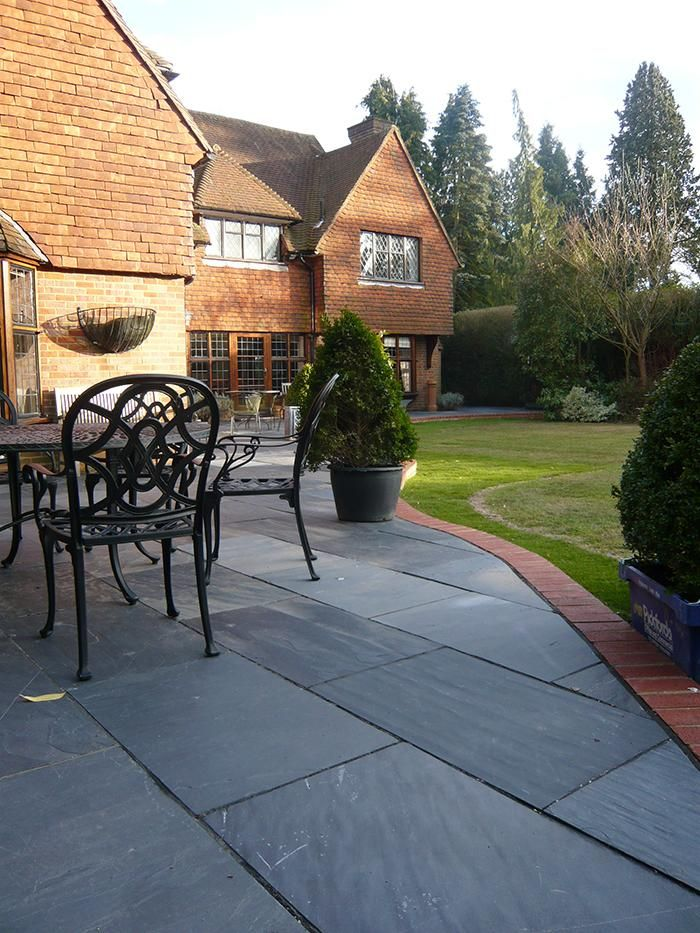 Blue Black Slate Paving Has A Consistent Colour And A Lightly Riven Surface