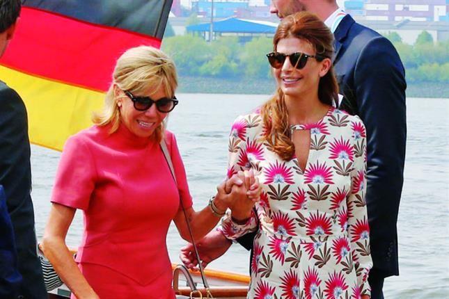 Durante la cumbre del G-20 celebrada en Hamburgo, la mujer de Mauricio Macri se robó todas las miradas por su look, y se mostró muy cercana a Trogneux y Melania Trump De la mano de Brigitte Trogne…