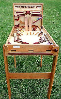 Details zu Ein Holzbearbeitungsplan für den Bau eines Marmorspiels in einer Holzkiste