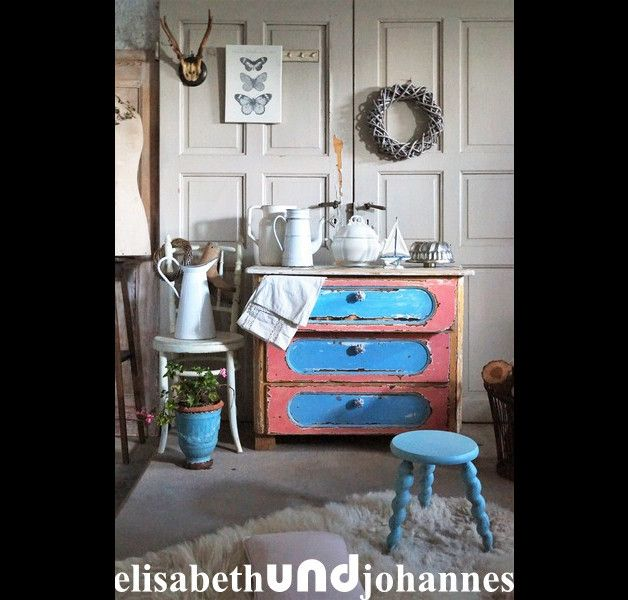 die besten 25 kommode vintage shabby ideen auf pinterest alte m bel streichen diy m bel. Black Bedroom Furniture Sets. Home Design Ideas