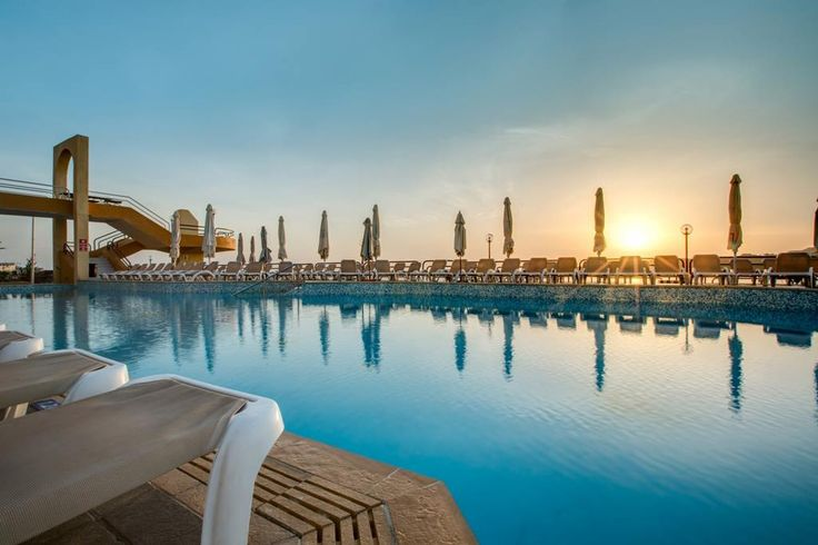 sunset...pool...and sunbeds...perfect