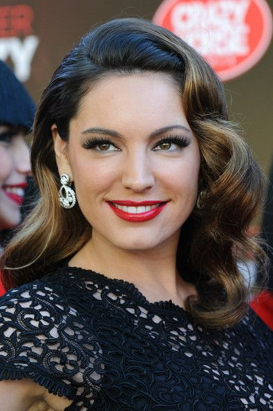 Kelly Brook Retro