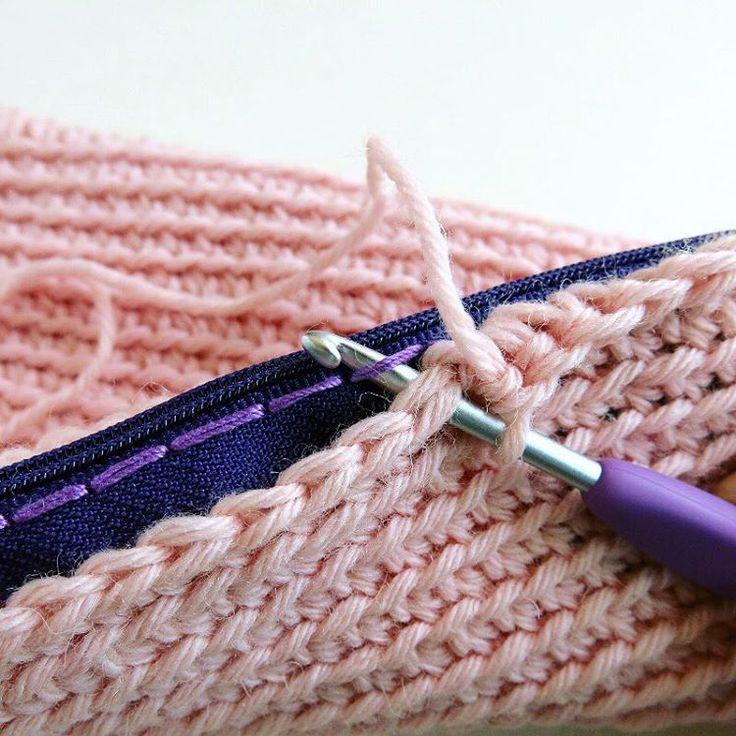 🇮🇹Arriva Tele Tipo Strano! 🤖Uncinetto in pillole, trucchi e consigli per crocheter felici 😁 Iscriviti al mio canale YouTube: KATE ALINARI 📺 . 🇬🇧I'm happy to present you Tipo Strano channel! 🤖Crochet shots, tips and tricks for happy crocheters 😃subscribe to my YouTube channel: KATE ALINARI 📺 . . . #Magliuomini #crochetfriends #youtube #crochetersofinstagram #crochetgirlgang @gomitolorosa @delvecchiagroup #crochethook #cloverhooks #cloveramourhook #crochet #uncinetto #ganchillo…
