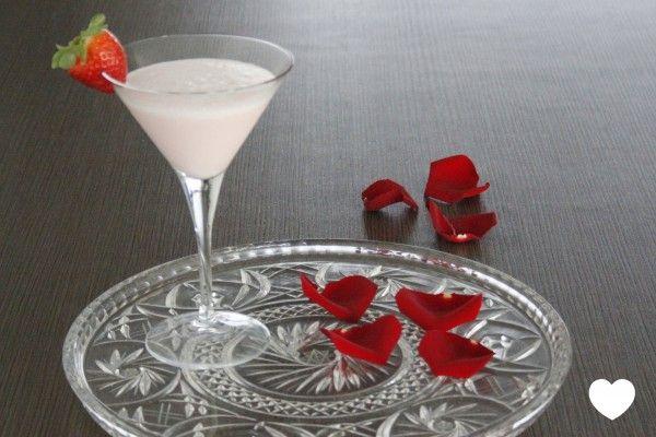 Met aphrodisia als aardbeien en witte chocolade als ingrediënten is de Pink Aphrodisia de ultieme valentijn cocktail voor Valentijnsdag