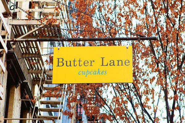 East Village cupcake classes at Butter Lane in Manhattan, New York. Learn to bake cupcakes like a pro using professional equipment and top ingredients.