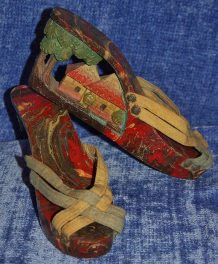 Vintage Collectible Hand-Carved/Hand-Painted Wooden Sole Platform w/Or – La Guanaquita's Closet