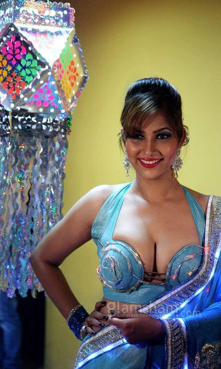 Pakistani Sexy Desi Girls Big Boobs
