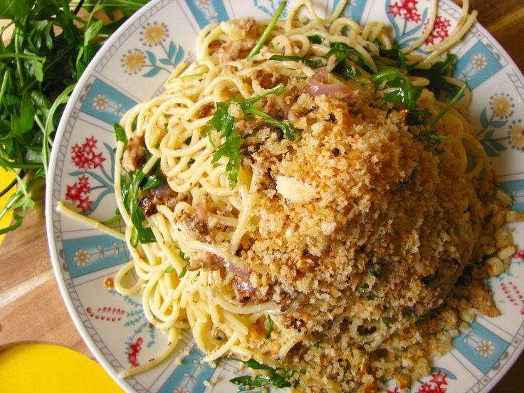 rýchle špagety so sardinkami a cesnakovou struhankou, Spaghetti with Chilli, Sardines  , roasted crutch
