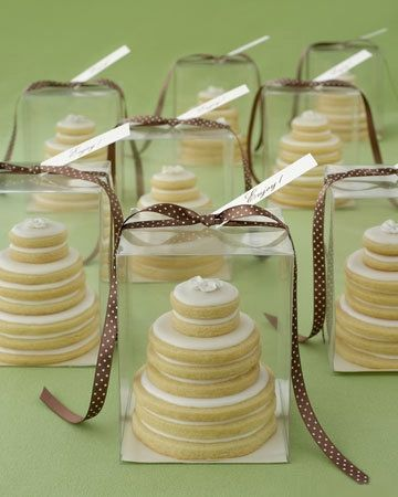 Wedding favours AND dessert idea