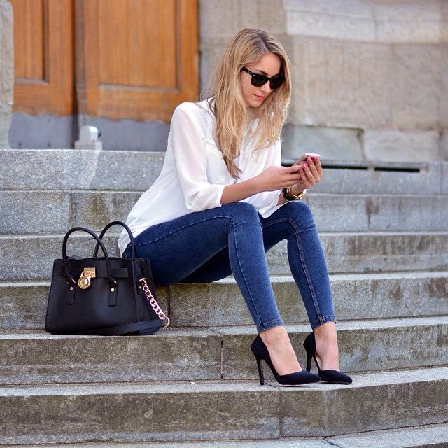the blouse, skinny pant, and heels - casual look