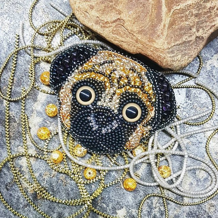 Мопсик#брошь#брошьизбисера#брошьижевск#вналичииижевск#мопс#мопсик#собака#брошьсобака#брошьмопс#украшенияижевск#брошь#pug#dog#animals#handicraft#handmade#bijoux#loveanimals❤️#jewellery#broosh#lovemyjob#goodnight#fashion#beautiful