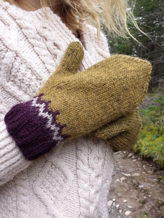 Icelandic Mittens Hand knit with Gold Wine and by Waysofwoodfolk
