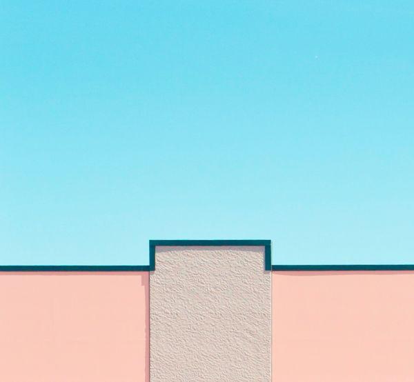 Mur coloré bleu et rose