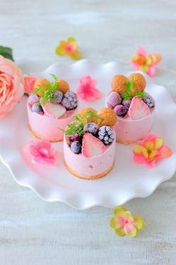 「イチゴのアイスケーキ」あいりおー | お菓子・パンのレシピや作り方【corecle*コレクル】