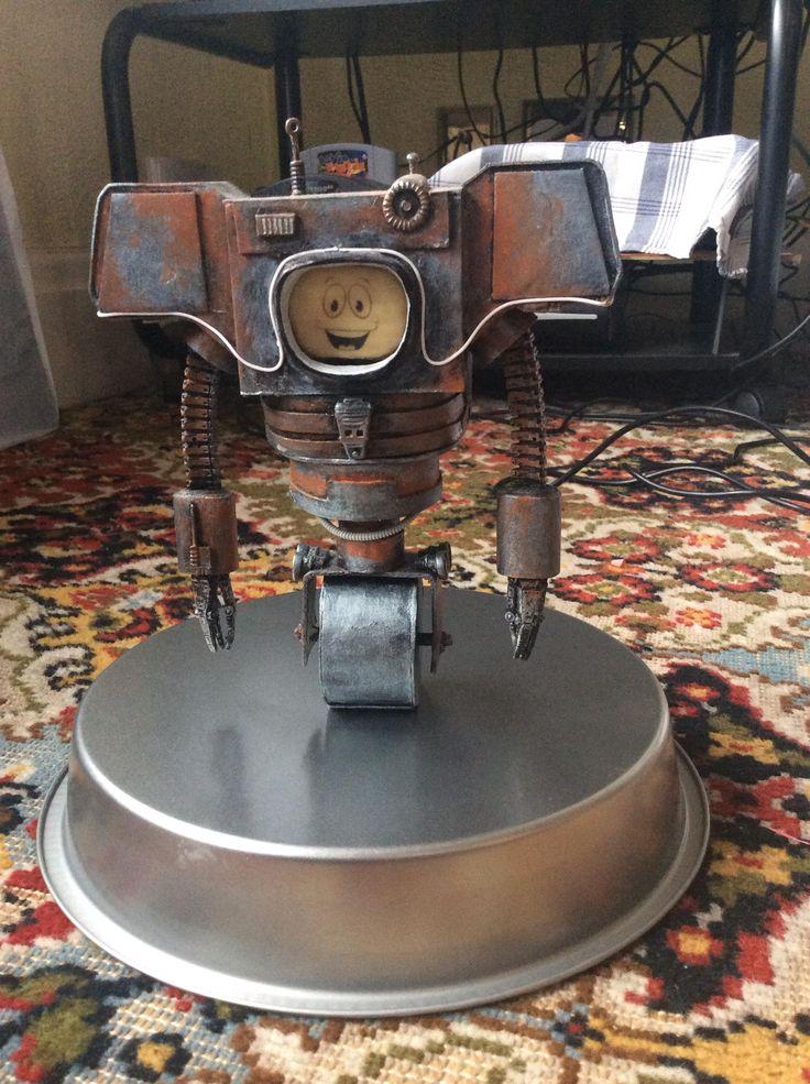 Yes Man Securitron Figure #Fallout via Reddit user  Webberley