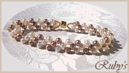 TwoTonePearlBracelet TUTORIAL - the most basic Right Angle Weave Bracelet.   #Seed #Bead #Tutorial