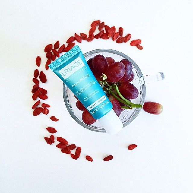 All things good for your #beautiful #eyes  #gogiberries #grapes #healthy #uriage #frenchskincare
