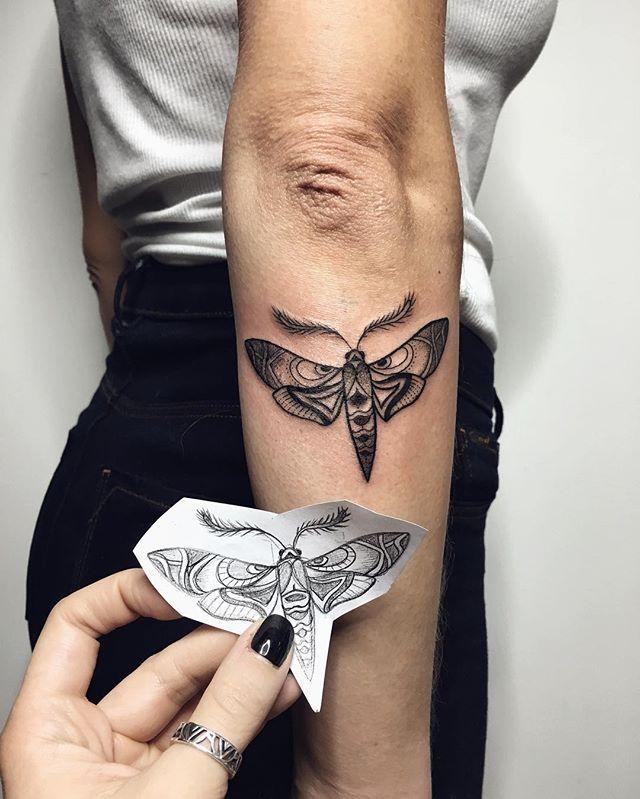 ❄️❤️ looking forward to meet you again!  #tattoo #ink #blacktattoo #linework #moth #mothtattoo #myforestink
