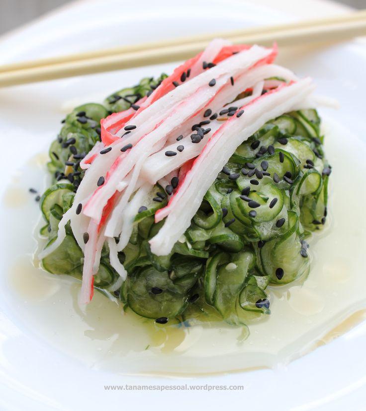 Que engraçado, eu amo a culinária japonesa, fiz curso de sushiman no SENAC e já trabalhei em um café que era gerenciado por um Chef japonês, mas nunca tinha preparado nada do tipo! Comida japonesa ...