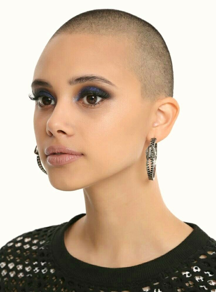 hairdare  womenshair  beauty  hairstyles  shorthair  buzzcut Ojo Azul  Ahumado, 7e8f6e0f0d