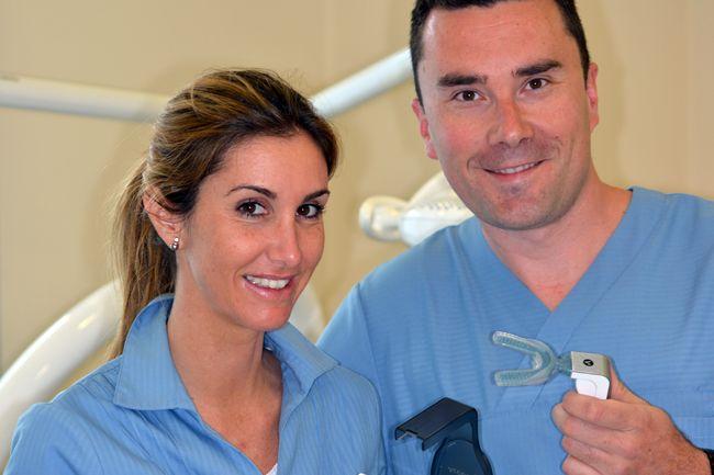 Entrevista a Santiago García, especialista en prótesis dental, higiene bucodental y ortodoncia invisible, de la Clínica dental Los Valles.