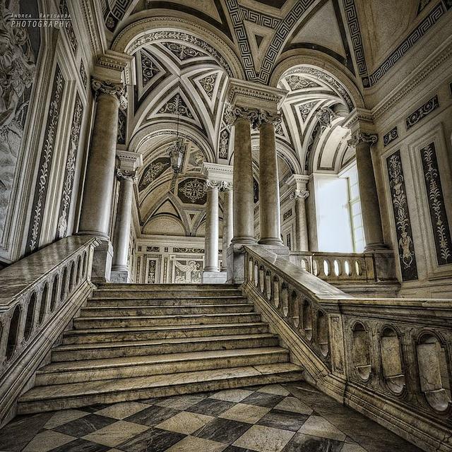 Scalinata del Monastero dei Benedettini - Catania by Andrea Rapisarda, via Flickr #InvasioniDigitali il 20 aprile dalle ore 16.00 alle ore 18.00 Invasore: Benedettini_OC
