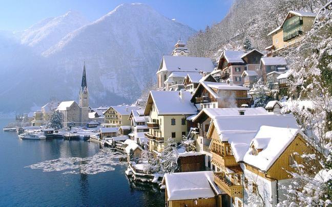 Ausztria 2 legszebb, mesebeli városa, ahol a természet döbbenetesen szép, és a lakók is számunkra furcsa dolgokat művelnek. Fejtsd meg e két városka titkát Te is!