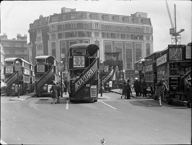 Victoria bus station, forecourt of London Victoria main line station, London, 1927