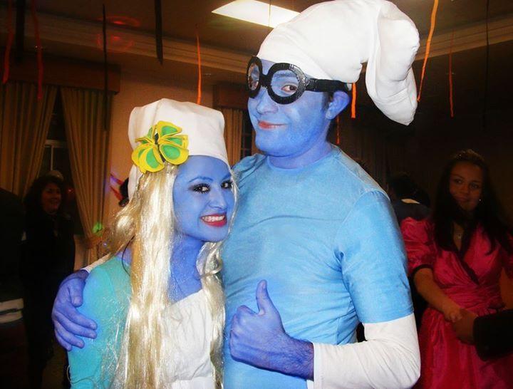 Azul por que este amor es azul como el mar azul :)