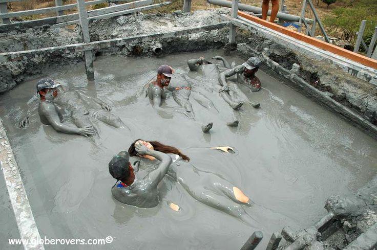 Mud Volcan de Lodo Totumo, Colombia
