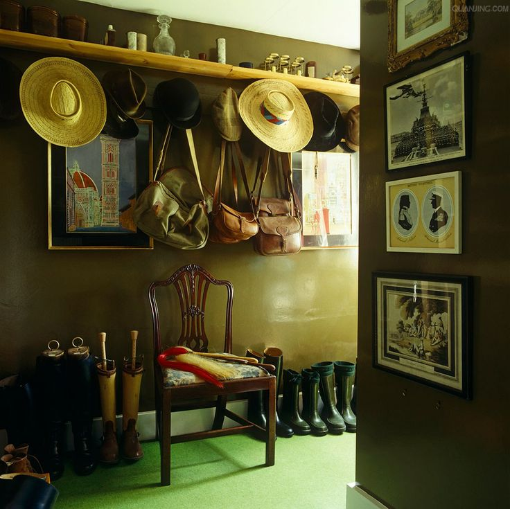 Iconic David Hicks designer boot room in his former home