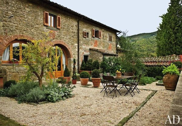 a terrace in Tuscany, architect Marco Videtto, landscape design Nancy Leszczynski | Kim Sargent