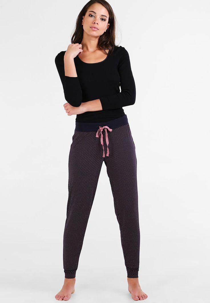 ¡Consigue este tipo de pantalón de pijama de Gap ahora! Haz clic para ver los detalles. Envíos gratis a toda España. GAP MIX JOGGER Pantalón de pijama dot dusty plum: GAP MIX JOGGER Pantalón de pijama dot dusty plum Ropa   | Material exterior: 89% fibra de modal, 11% elastano | Ropa ¡Haz tu pedido   y disfruta de gastos de enví-o gratuitos! (pantalón de pijama, pijama mujer, pantalón de pijama, pajamas, pijama, sleepwear, pyjama, short pyjama, sweatpants, lounge shorts, pajama short...