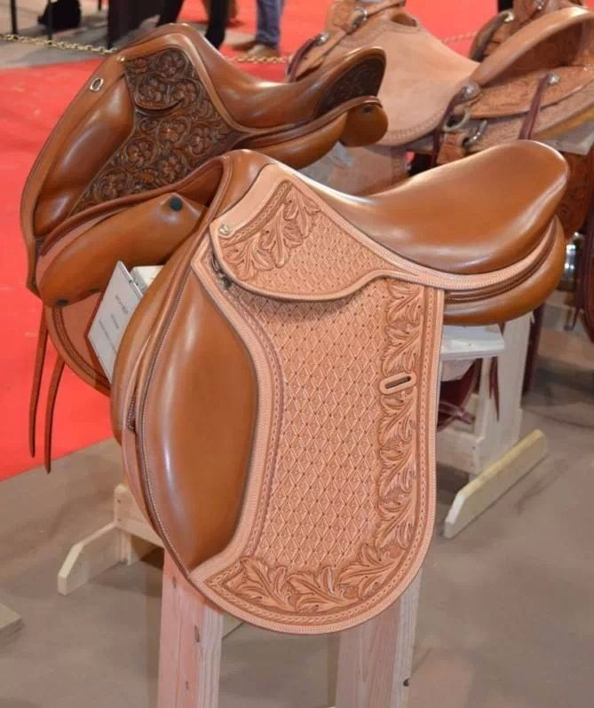 Parisot Sellier saddles.  I could see this in  AQHA flat classes!!