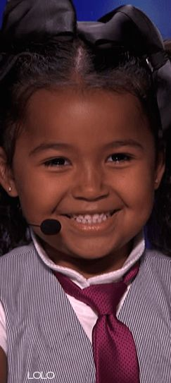 """Heavenly Joy: A Cute Kid Taps and Sings """"In Summer"""" from Frozen - America's Got Talent 2015-I never post videos, but this is a MUST WATCH!! Heavenly is beyond adorable and so talented!!! Click thru image for youtube video 