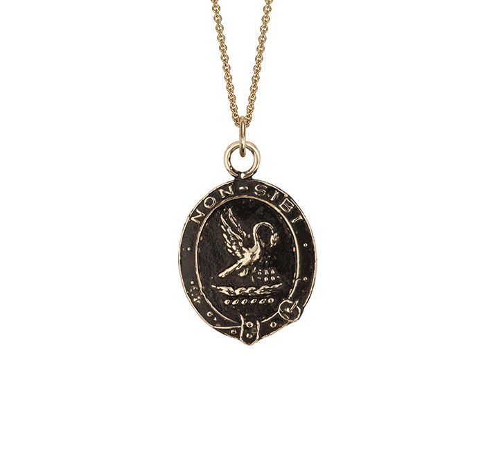 #Selflessness 14k #gold talisman This talisman reads 'Non Sibi' in Latin, meaning 'Not for Self'. The pelican pulling out its feathers for its young is symbolic of self sacrifice for the care of others. Please note that the styles in the Pyrrha 14 Karat Collection are smaller and more delicate than their sterling silver counterparts. [...]