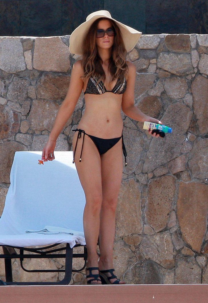 In September 2010, Kate Beckinsale showed off her bikini body while | 41 Supersexy Pictures of Kate Beckinsale | POPSUGAR Celebrity Photo 8