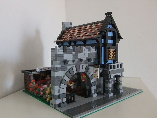 Modular medieval house inspired by set 1592 | Flickr - Photo Sharing!