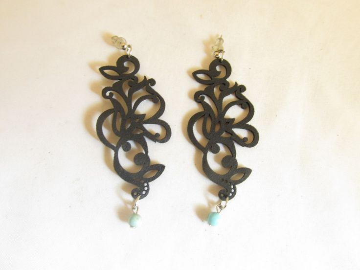 Handmade earrings with black leather filigree (1 pair)  Made with black leather filigrees, antiallergic metals and semiprecious stones.